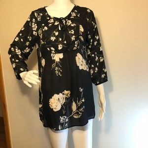 A PEA IN THE POD Maternity Women's Size M Blouse